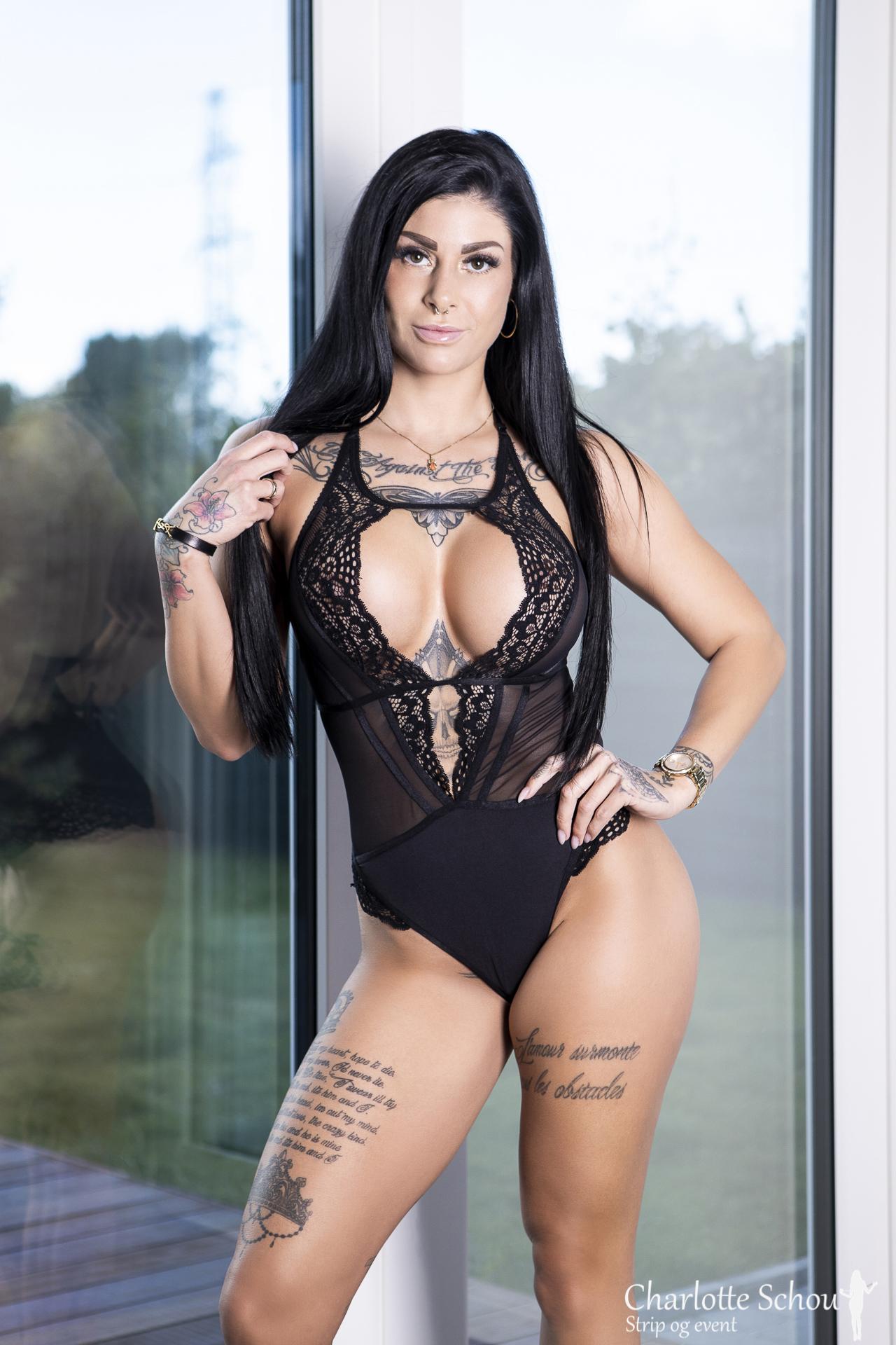 Stripper Camille